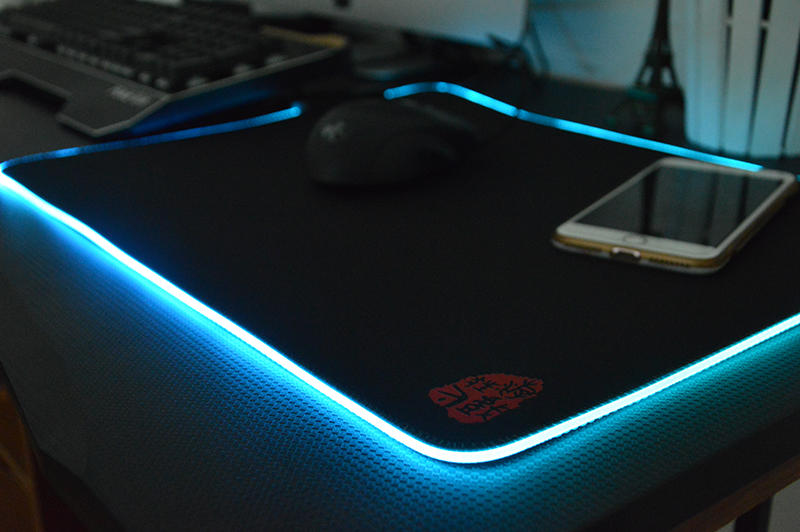 Stander size soft RGB gaming mouse pad Luminous mouse pad with rubber bottom customised RGB mouse pad manufacturer